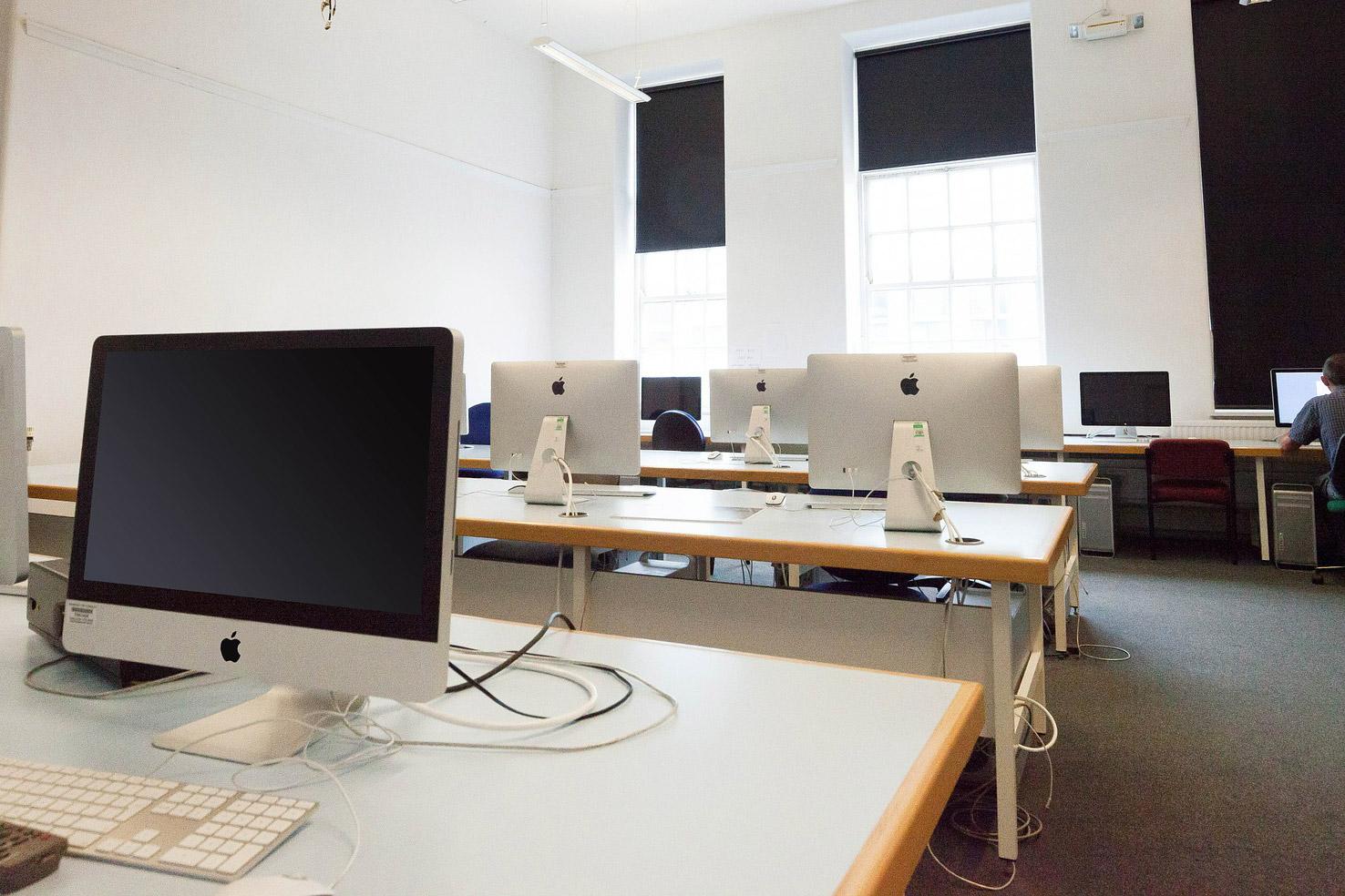 職業訓練校でWebデザインを学ぶ