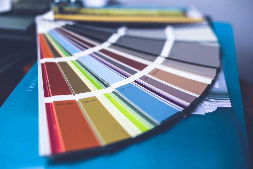 配色・色の組み合わせを学べる